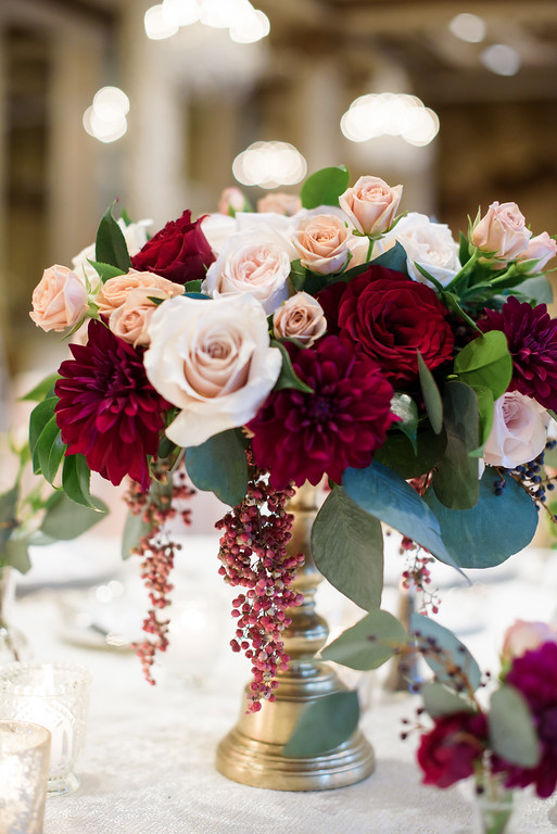Fleur-Inc-In-Style-Weddings-Press-December-Wedding-SQN-Events-Avery-House-The-Drake-Hotel-Amaryllis-centerpiece