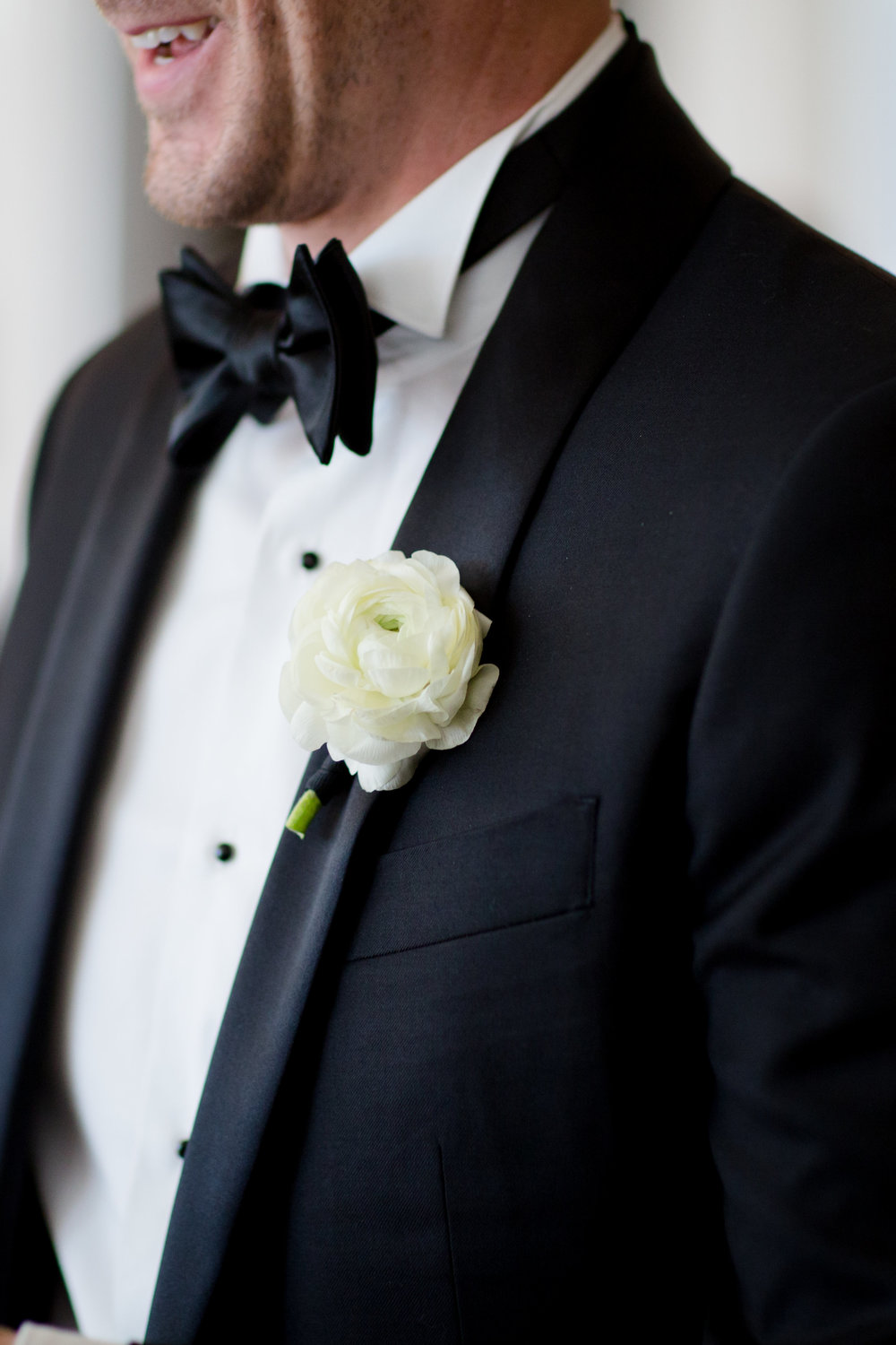 Fleur-Inc-Chicago-Wedding-19-East-Studio-This-Is-Photography-Wedding-Party-Bouquets-boutonniere