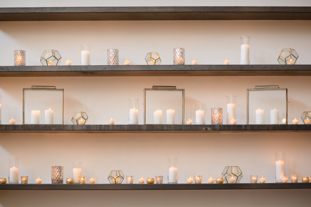 Fleur-Inc-Chicago-Wedding-19-East-Studio-This-Is-Photography-Wedding-Party-Bouquets-candle-wall