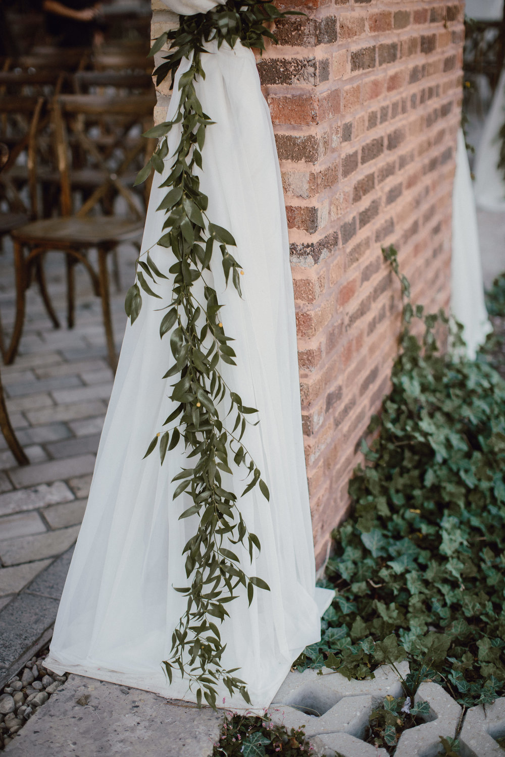 Fleur-Inc-Bridgeport-Art-Center-Sculpture-Garden-Wedding-Estera-Events-Megan-Saul-Photography-September-Flowers-ceremony-decor