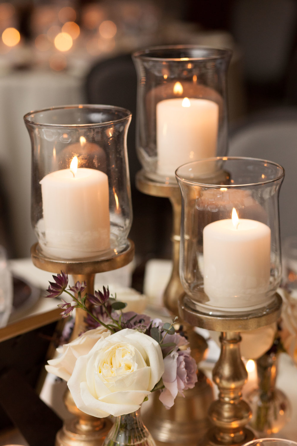 Fleur-Inc-Natalie-Probst-Photography-Lola-Event-Productions-Hotel-Allegro-Candle-Centerpiece