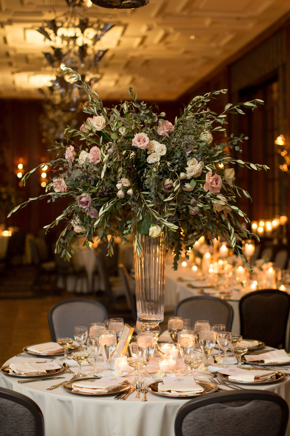 Fleur-Inc-Natalie-Probst-Photography-Lola-Event-Productions-Hotel-Allegro-Tall-Centerpiece