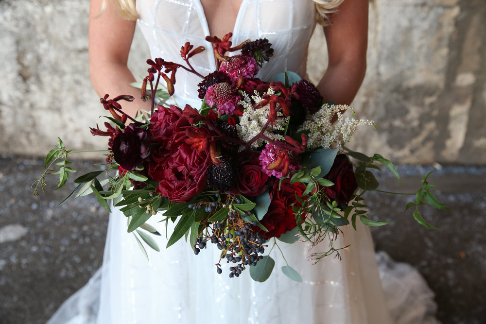 Fleur-Inc-Jeremy-Lawson-Photography-Bridgeport-Skyline-Loft-January-Wedding-Bridal-Bouquet-Karnagroo-Paw