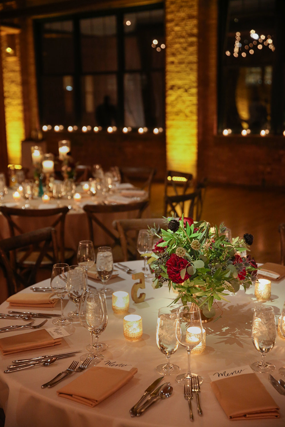 Fleur-Inc-Jeremy-Lawson-Photography-Bridgeport-Skyline-Loft-January-Wedding-Centerpiece
