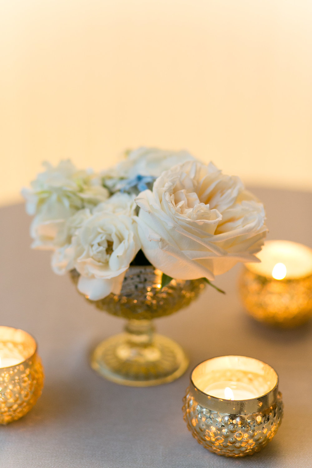 Fleur-Inc-Emilia-Jane-Photography-Estera-Events-Langham-Hotel-Chicago-Wedding-cocktail-tables