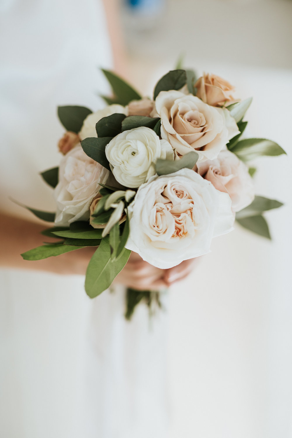 Sweet, bridesmaid bouquet with quicksand & O'Hara roses designed by Fleur Inc at Room 1520.  Photographed by Todd James Photography