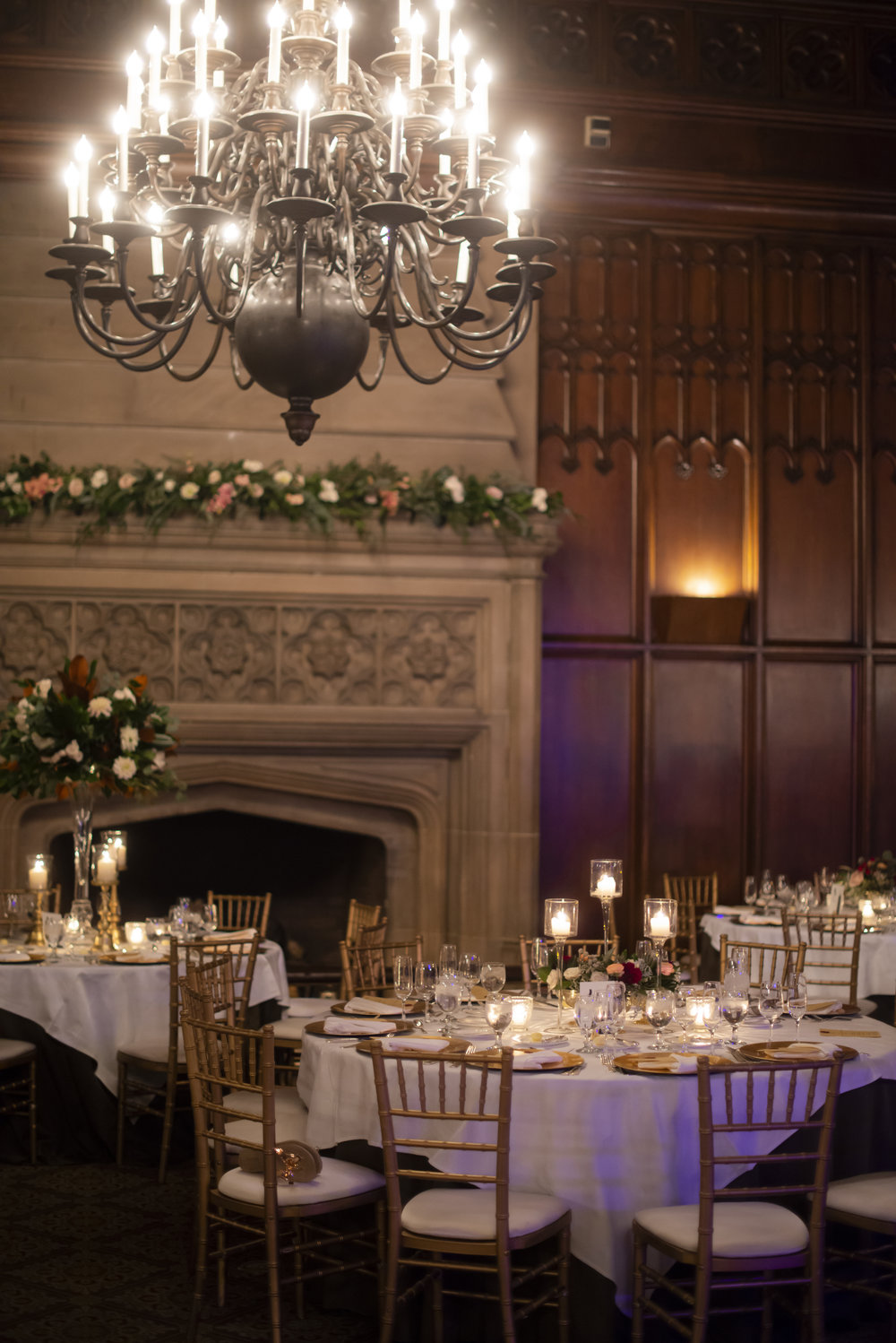 Flowers by Fleur, Photo by Dory Tuohey, Planning by Tracy Fisher Events, Location: University Club of Chicago