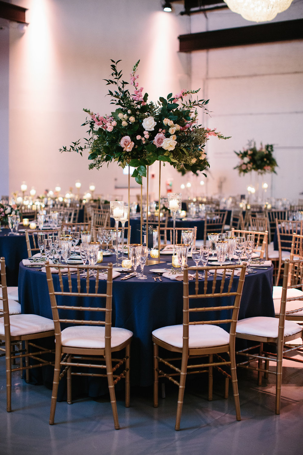 Flowers by Fleur Inc, Photo by Katie Kett, Venue Moonlight Studios