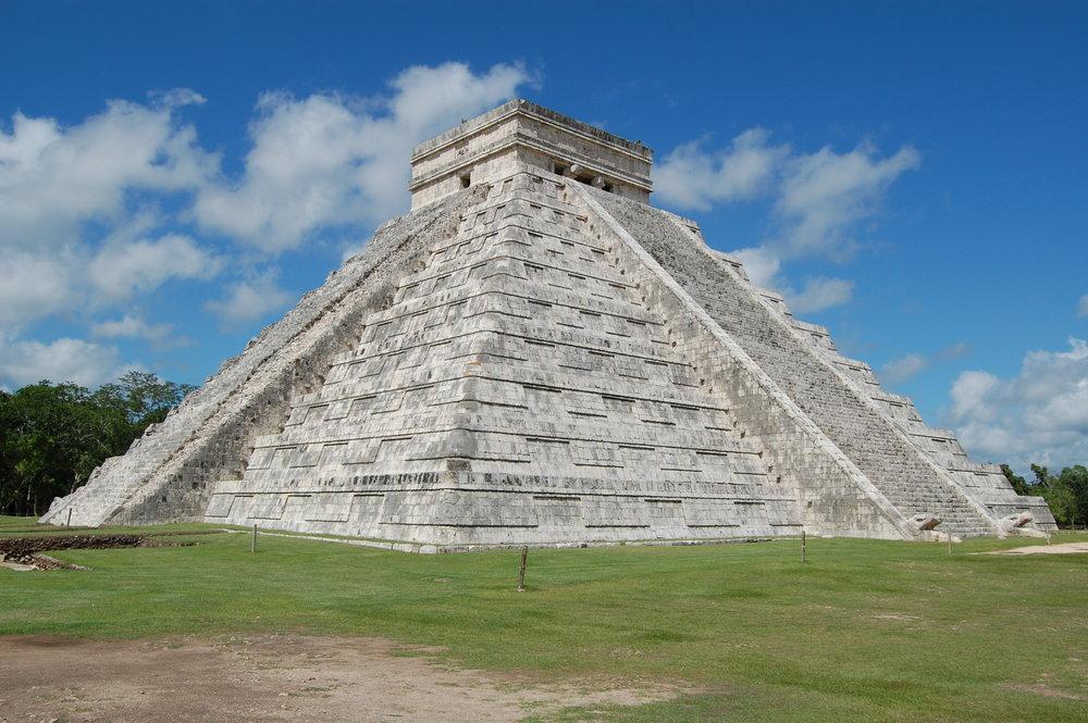 A Mayan pyramid at Chichen Itza. Image by Manuel de Corselas