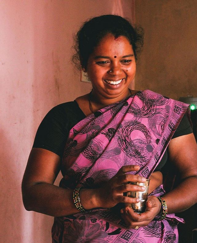 Today is Giving Tuesday! There is no better day than today to give a small gift to support our work. Make a difference for a mother in India by giving a gift to support her dreams. You can make a quick donation by clicking on the link in our profile. Thank you. ❤⠀ #GivingTuesday #BeTheDifference