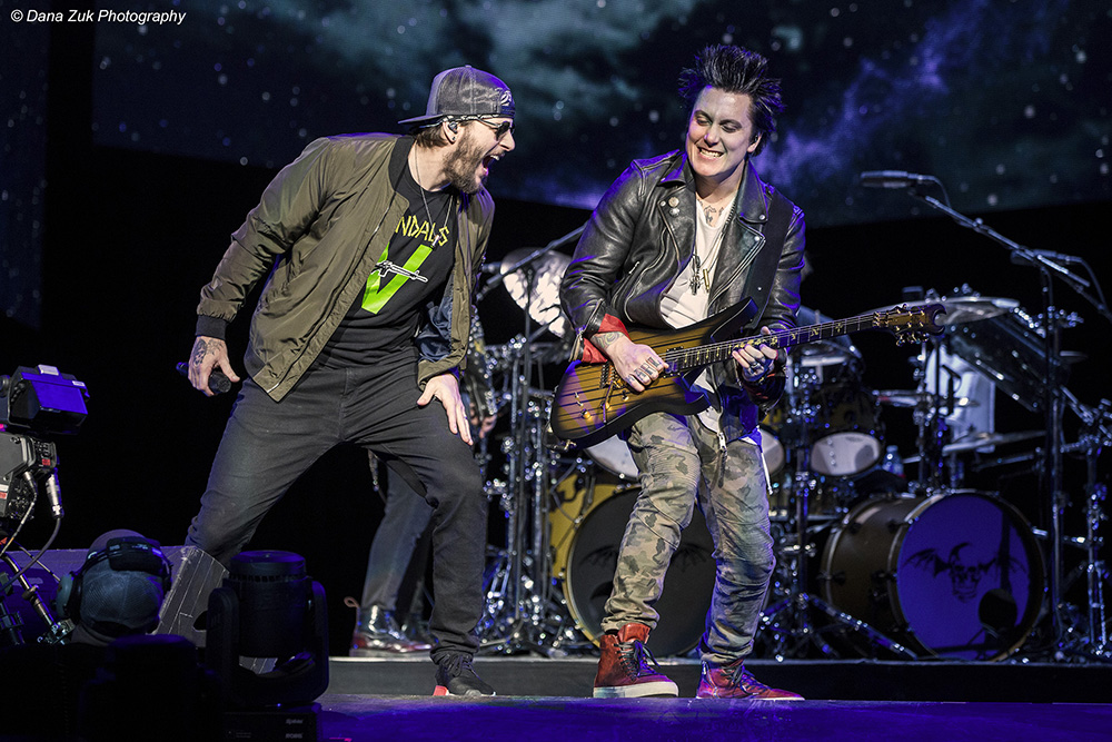 M.Shadows & Synyster Gates - AVENGED SEVENFOLD