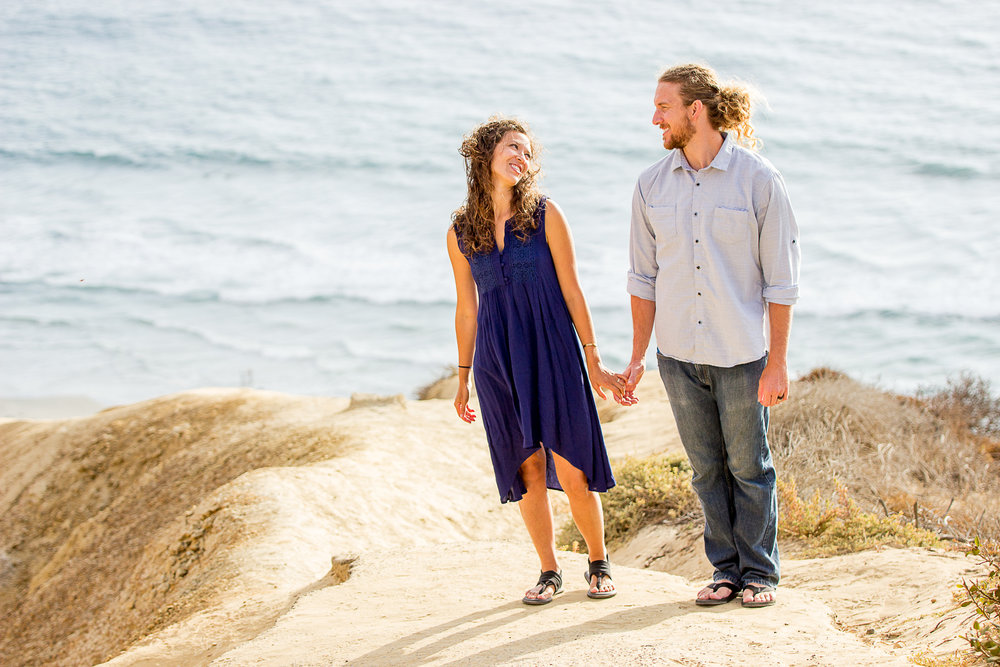 la-jolla-glider-point-torrey-pines-anniversary-session-true-loves-kiss-san-diego-photographer-sophia-elizabeth (14 of 181).jpg