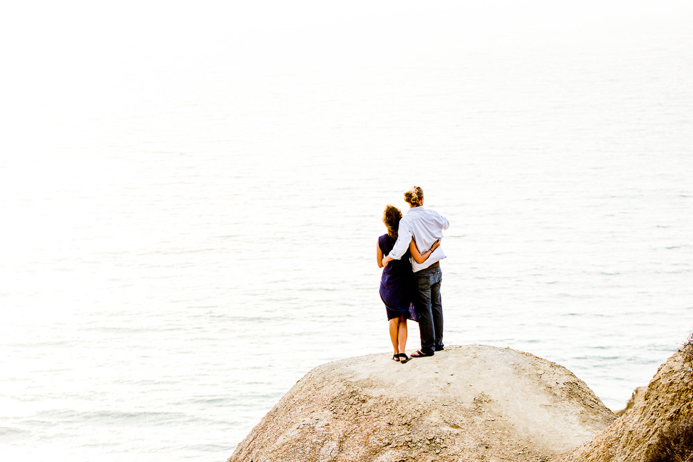la-jolla-glider-point-torrey-pines-anniversary-session-true-loves-kiss-san-diego-photographer-sophia-elizabeth (114 of 181).jpg