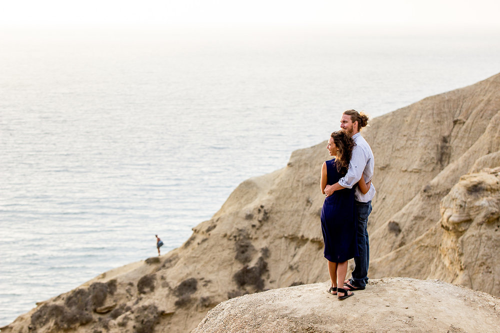 la-jolla-glider-point-torrey-pines-anniversary-session-true-loves-kiss-san-diego-photographer-sophia-elizabeth (122 of 181).jpg