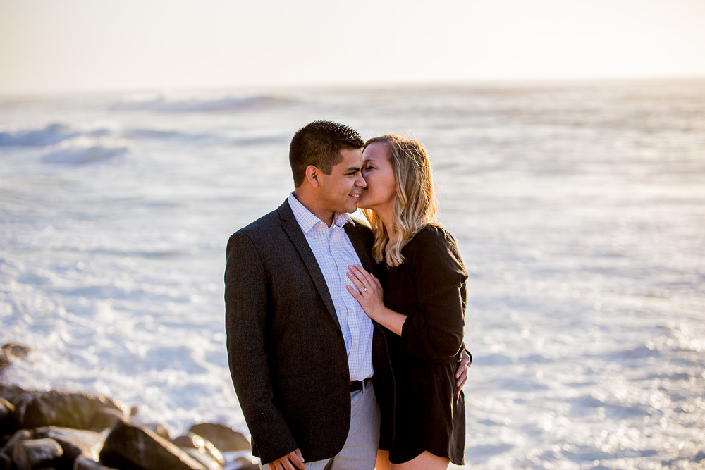 La-jolla-cove-proposal-chicago-natives-san-diego-sunset-golden-hour-love-story-engaged-alligator-head (93 of 158).jpg