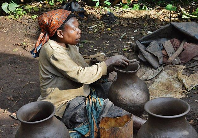 We have some new content coming out - this time on Idjwi Island in the Democratic Republic of Congo! Stay tuned for more...www.vayando.com #Idjwi #travel #pottery #drc