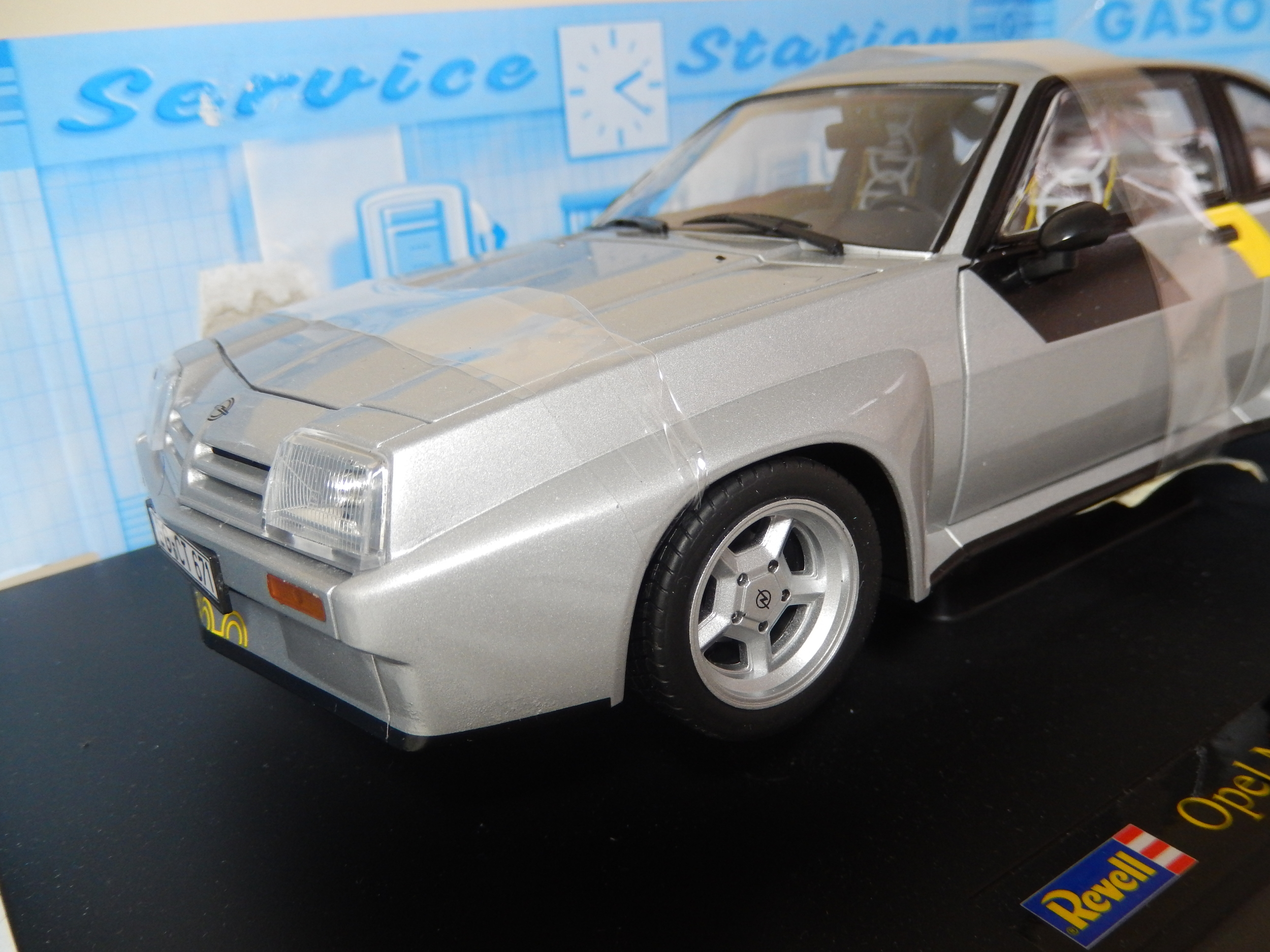 Vauxhall Opel 400 Homologation New Boxed By Revell 1 18 Scale Cs Diecast Tuning