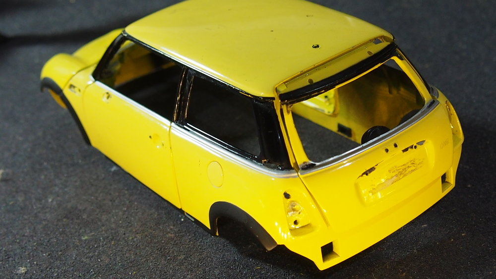 1:18 scale Mini cooper body shell, chassis and engine by Kyosho