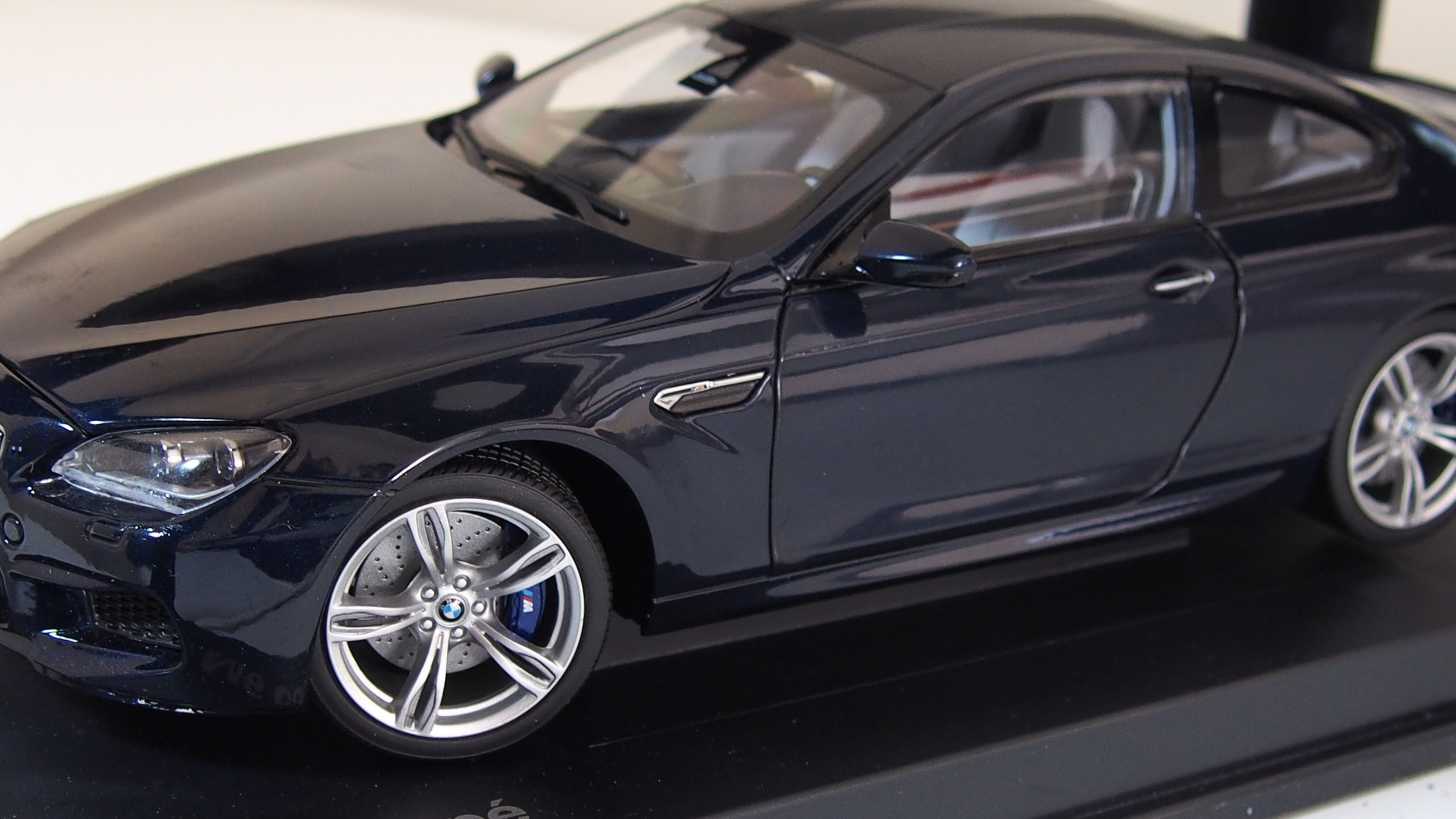 BMW M6 Coupe By Paragon Boxed In Dark Blue 1:18 Scale