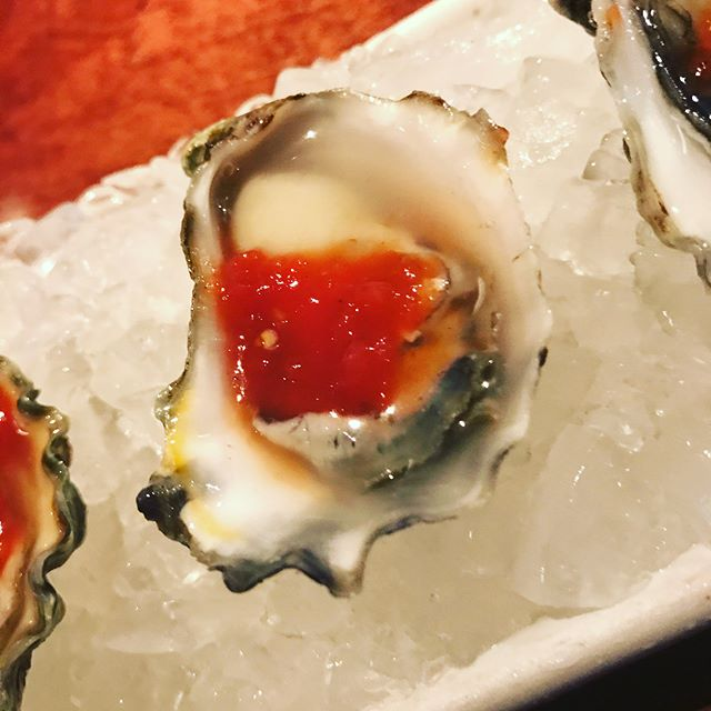 Not sure how @teppoyakitori has seemingly continued to stay under the radar but there's really no better spot in Dallas to curate your own world class tasting menu! From #kumamoto oysters to #osetracaviar sushi and the always amazing #a5wagyu lava rock, it never disappoints! #dallaseats #dallasfoodie #teppo #allthefood #dallassupperclub #dsc #sushi