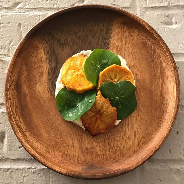 Some fun playing with food... Burrata. Almonds. Balsamic. Roasted Persimmon. Nasturtium (from the garden). Lemon juice. Not too bad 👌