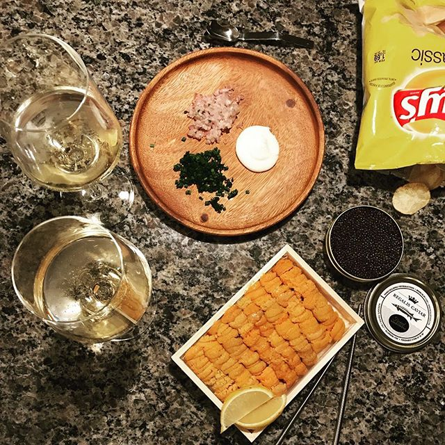 I can't think of a better way to start the holiday weekend! Thanks to the crew over at @regalistx for providing us with the goods...some incredible product to say the least! 👌🥂🎄