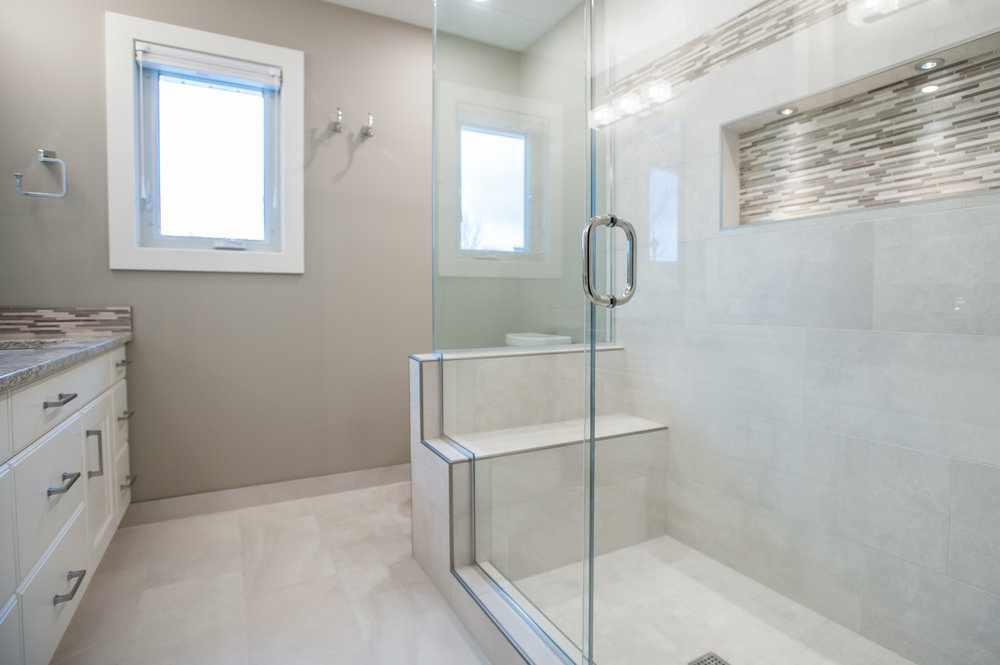 shower enclosure ensuite