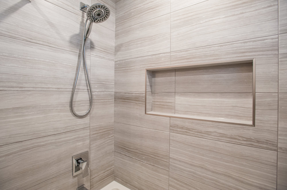 shampoo_niche_tub_reno_modern