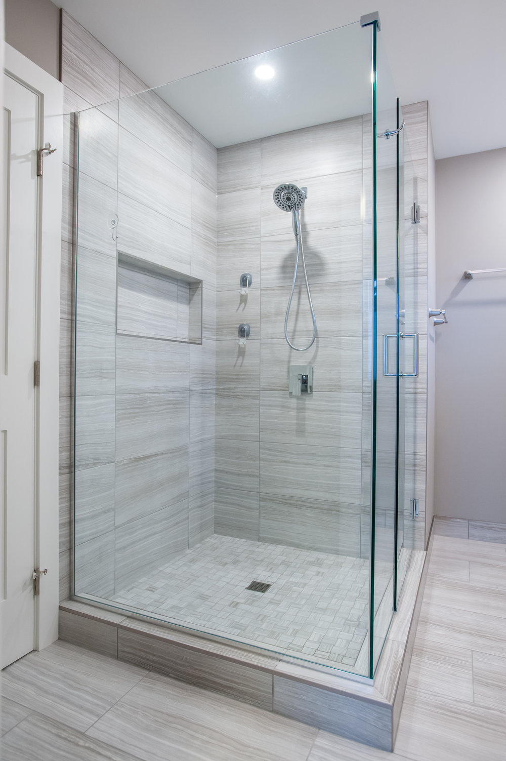 Shower_after_reno_modern_2