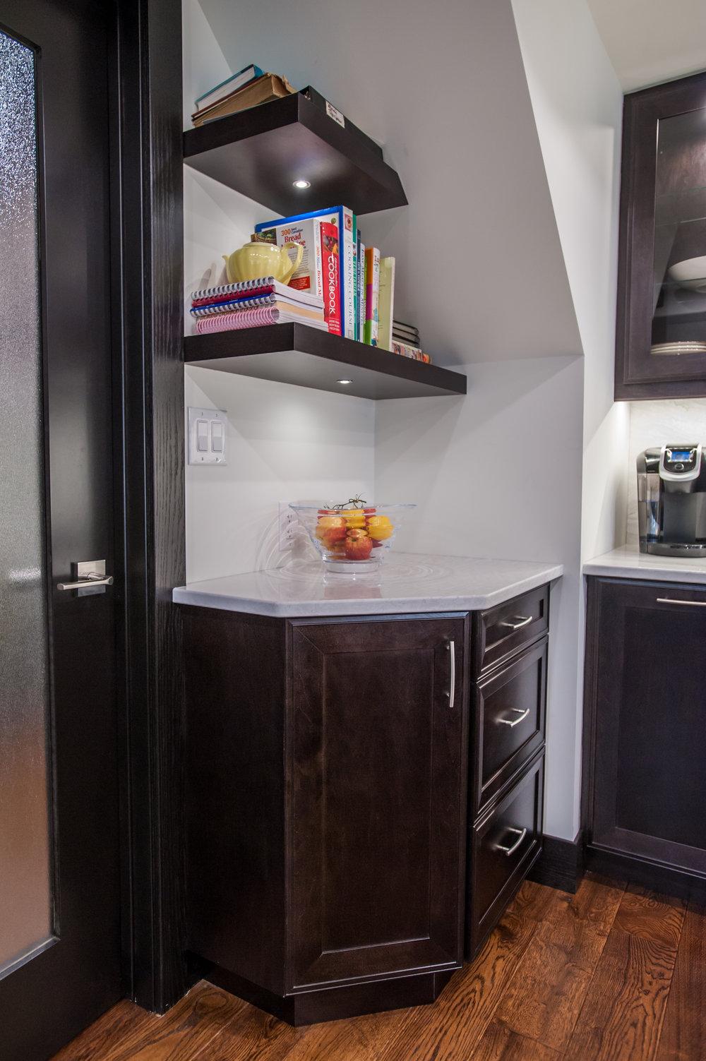 open_shelves_kitchen