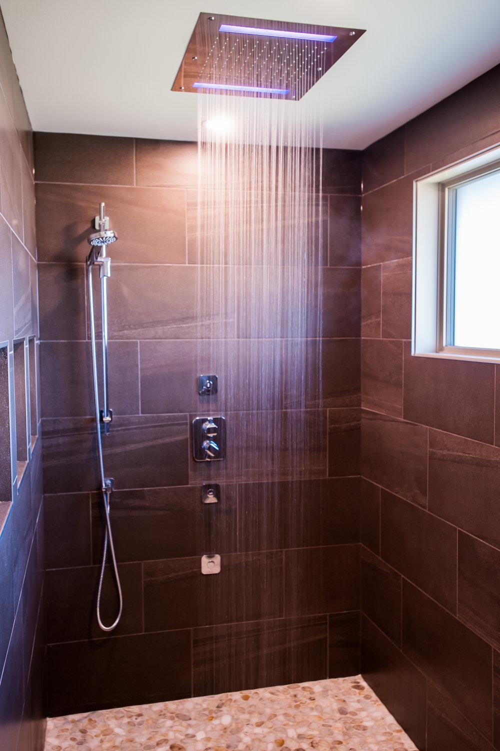 rainhead_shower_on