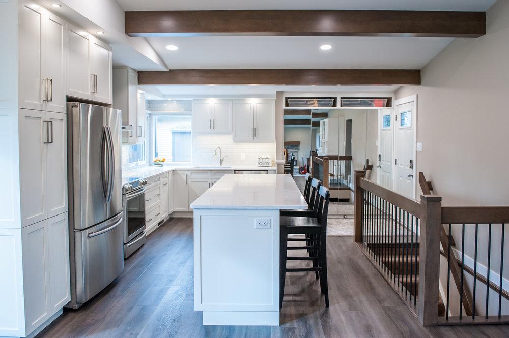 kitchen_white_open_beams_bungalow