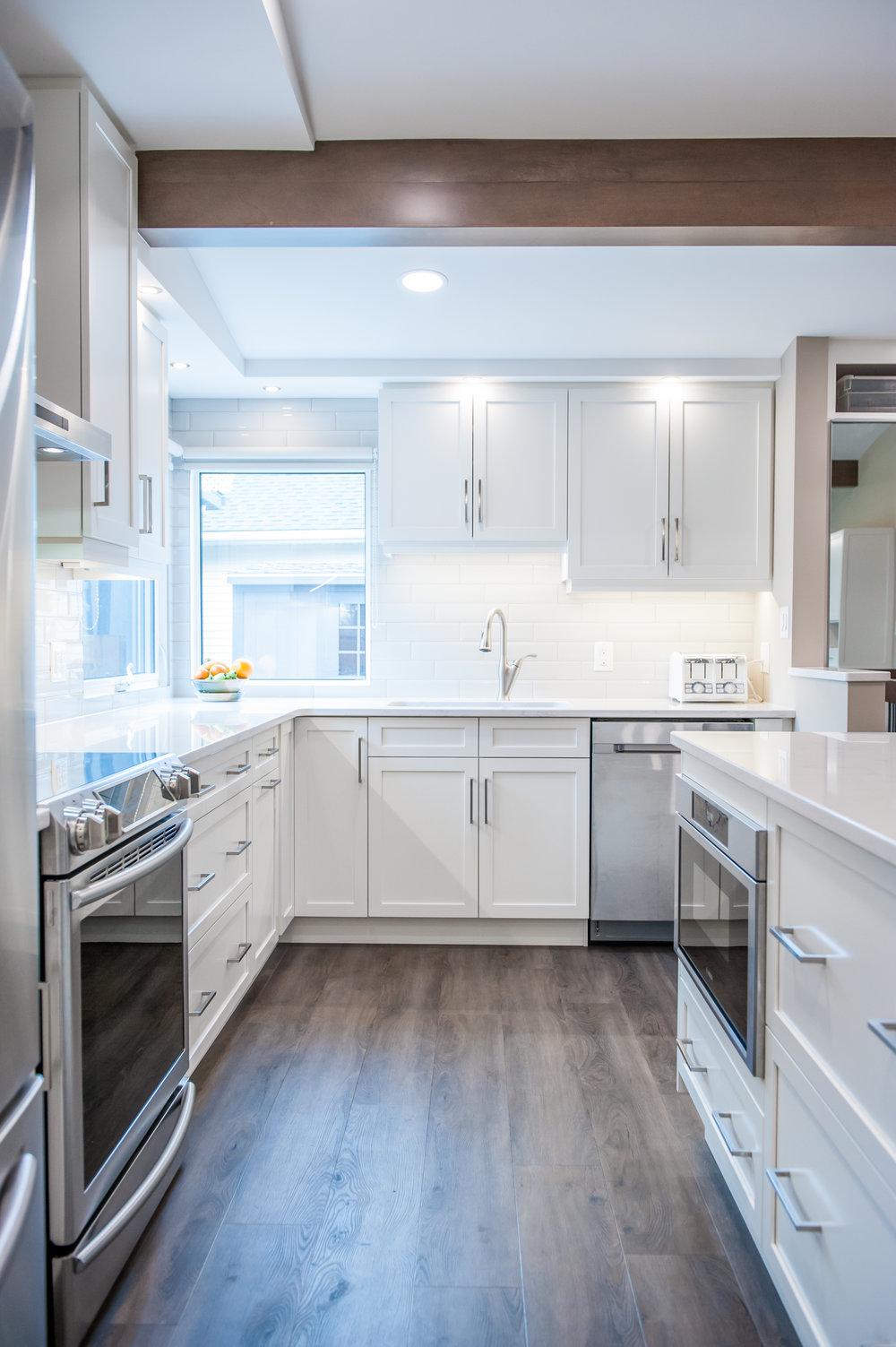 Vinyl_hardwood_cabinets_kitchen_white