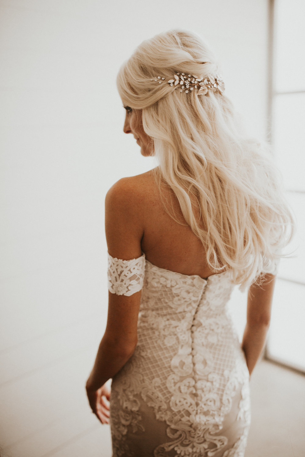 bridal rates & faq - TRAVEL FEE - All on location services will require a $50 travel fee per artist for any locations within Austin. Travel fee will increase based on distance and travel time for any locations outside the local area.HOURLY RATE -Touch-ups are available at a rate of $100/hr and begins at the end of scheduled service(s) time until desired.DEPOSIT + PAYMENT -To reserve bridal services on your wedding day a (refundable) deposit of $250 is required. Final payment will be invoiced and due 30 days before event. Any changes or additions day-of will be charged at the end of each service.