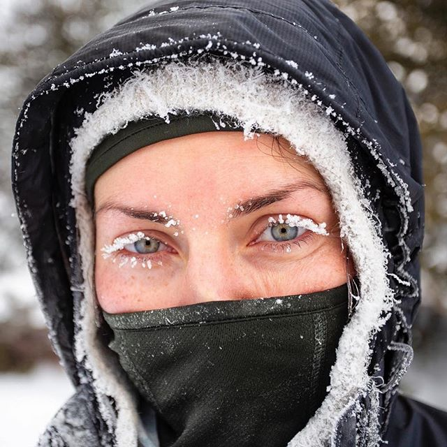 Perhaps the most eco-friendly and nontoxic mascara out there courtesy of Mother Nature. We did some serious winter-ing this past week. Grateful for great friends and great gear. Get out there people!! #fullyalive 📸 @chris_vultaggio at -10°