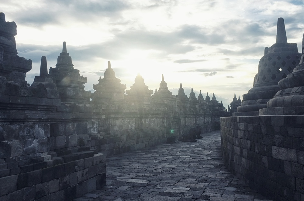 Borobudur temple, Indonesia | www.idrawletters.com