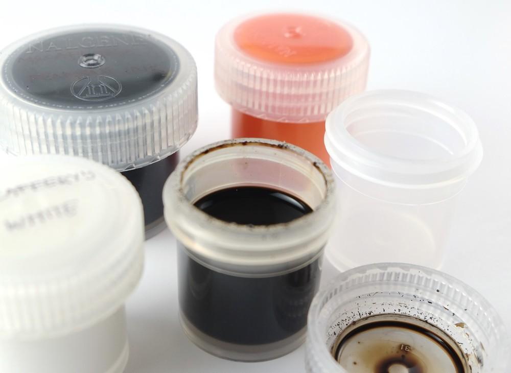 Nalene leak-proof jars. Perfect for the traveling calligrapher | www.idrawletters.com