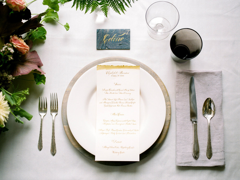 Calligraphy wedding menus by Chavelli | www.chavelli.com