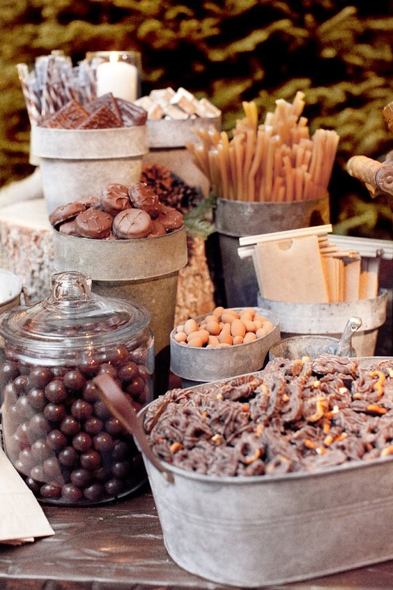 Amazing wedding dessert table |  Hi Miss Puff