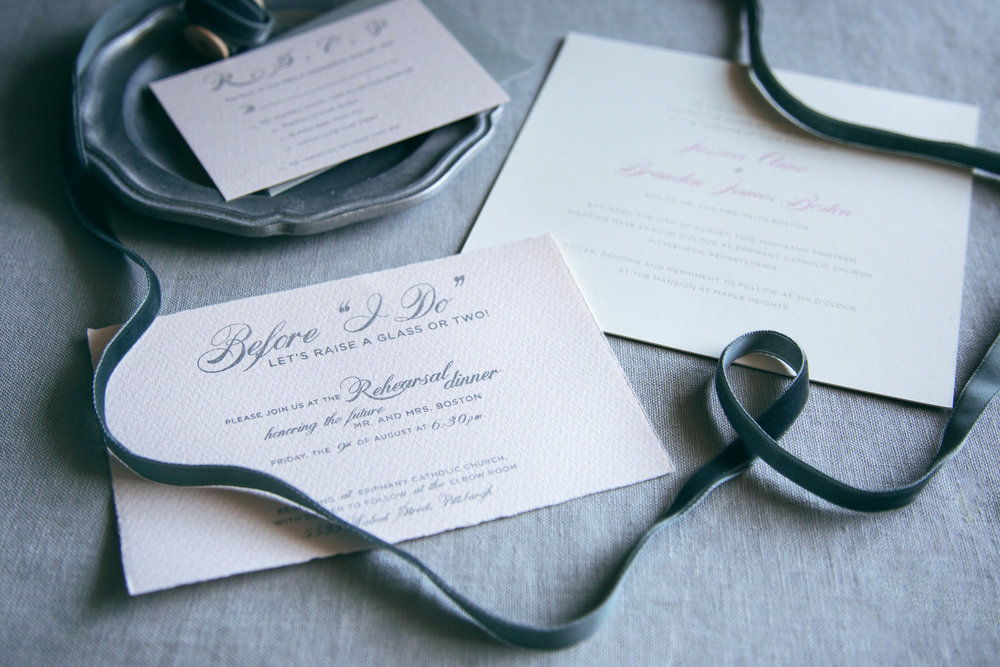 Letterpress printed wedding invitation with letterpress printing and silver foil | www.chavelli.com