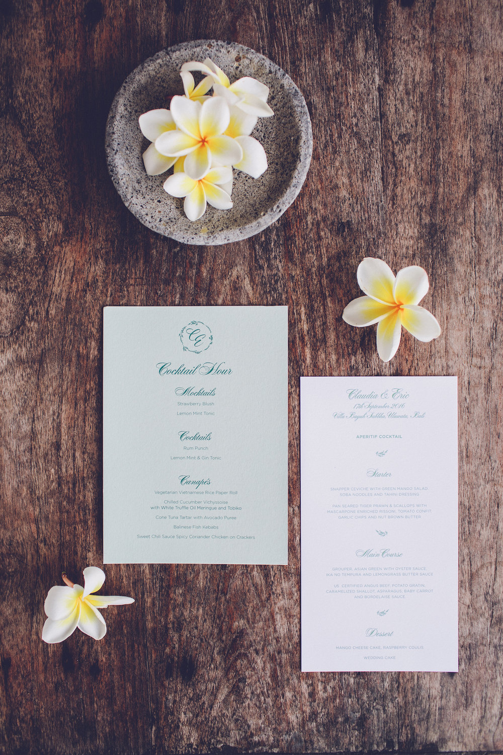Wedding cocktail and dinner menus | www.chavelli.com
