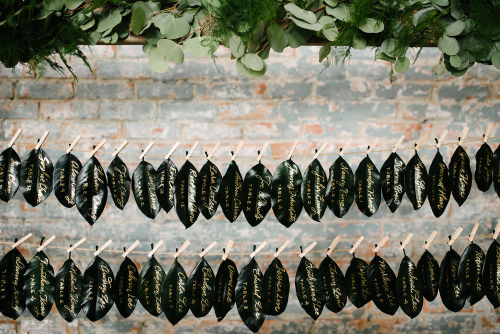 Magnolia leaf wedding escort card display | www.chavelli.com