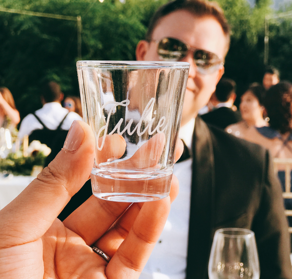 Engraved shot glass place card | by www.chavelli.com