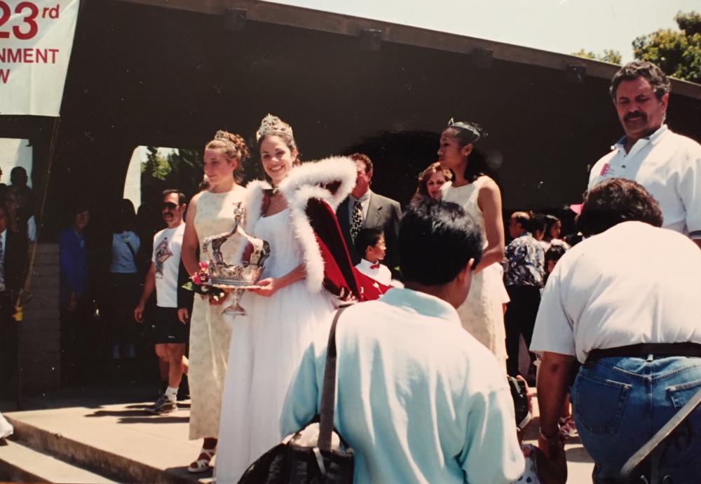 1999 Festival Queen -  Kristen Rinetti    Sidemaids - Rebecca Gentrup & Rebecca Salazar