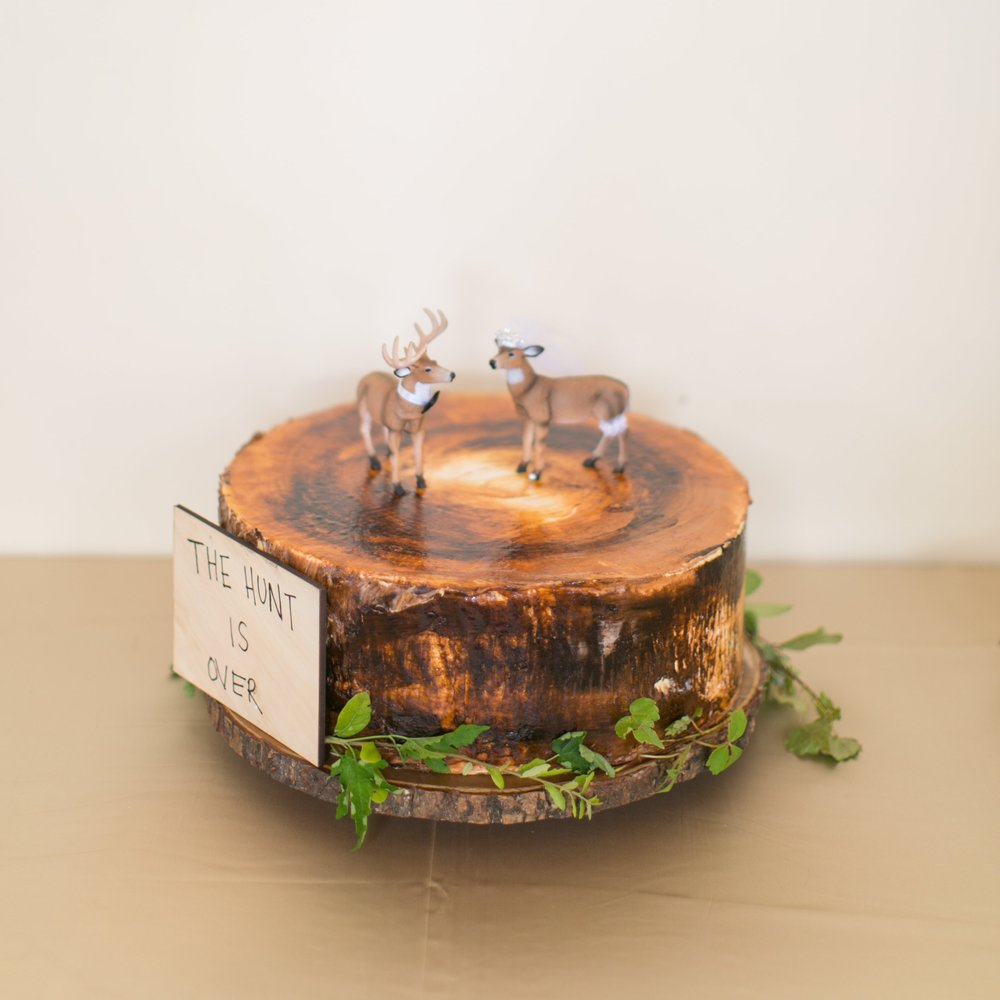 Tree Stump Groom's Cake