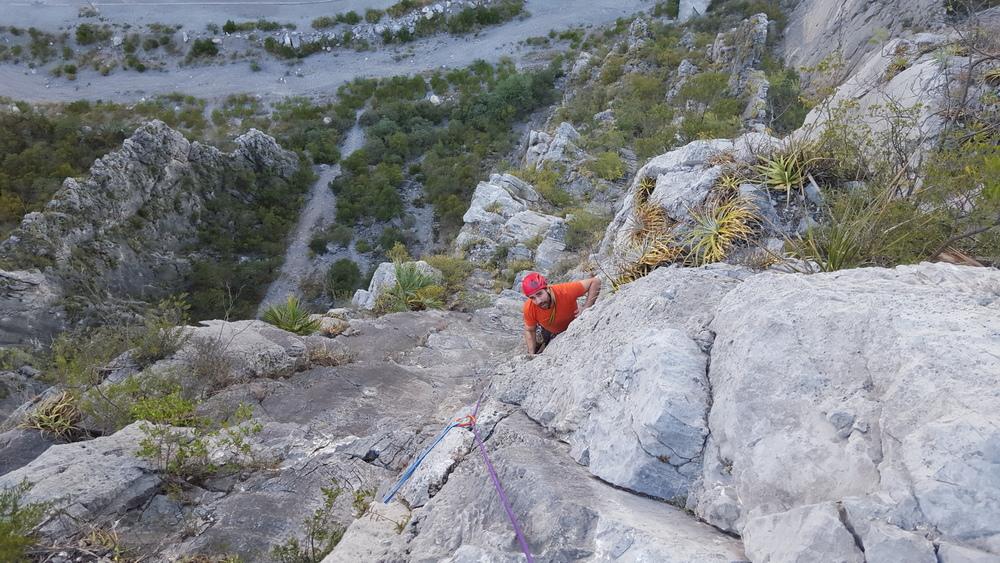 estralitta-climbing.img