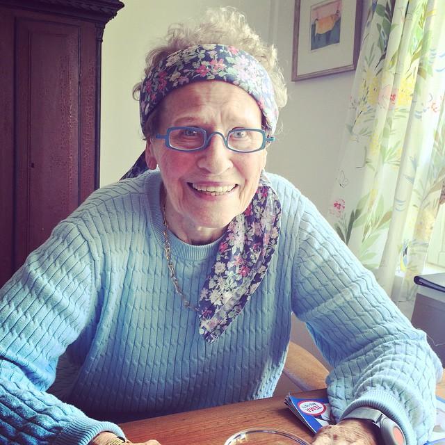 Birgit Packness mødte Din e-hjælp, da hun gerne ville gøre nogle af minderne fra et 92 år langt liv digitalt tilgængelige.