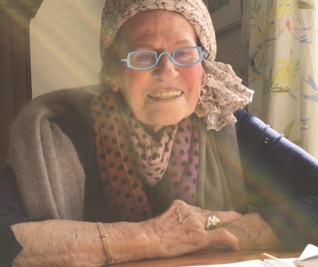 Se videoklippet med Birgit (nederst) hvor hun fortæller om arbejdet med sine erindringer. (Privatfoto)