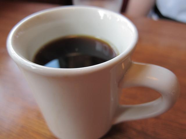 Gerda skal ikke have noget i sin kaffe, den skal være kulsort. (Foto: Rich Moore, CC, flickr.com)