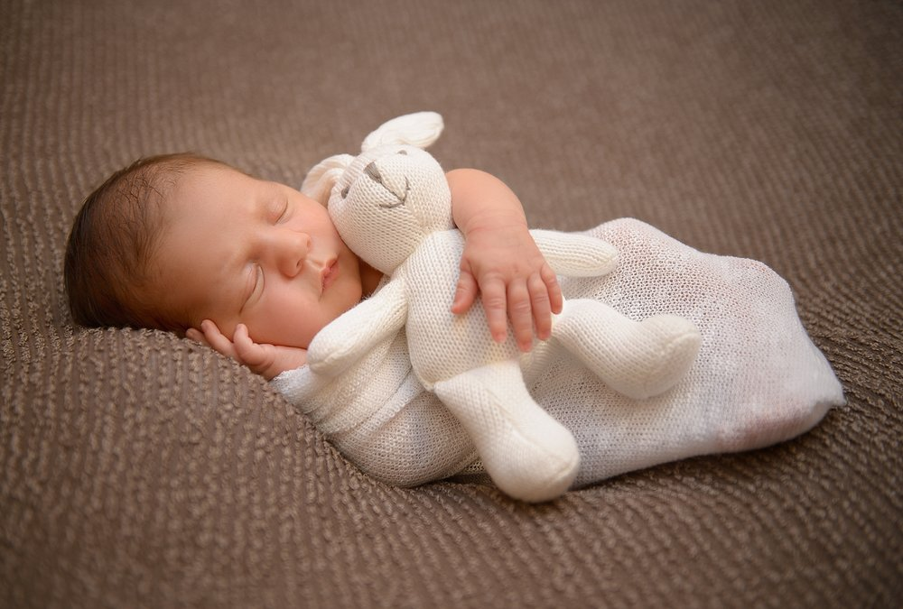 newborn photography malta.jpg
